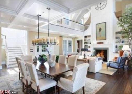 Howie mandel s malibu home for sale for Michaels furniture huntington park